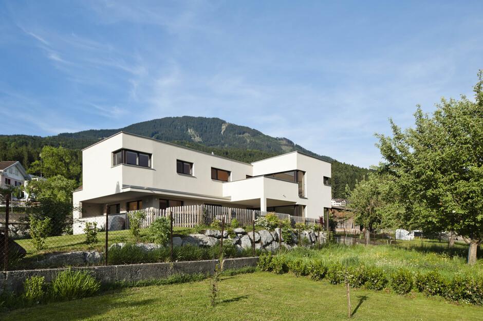 modernes einfamilienhaus satteins massivbau moderne. Black Bedroom Furniture Sets. Home Design Ideas